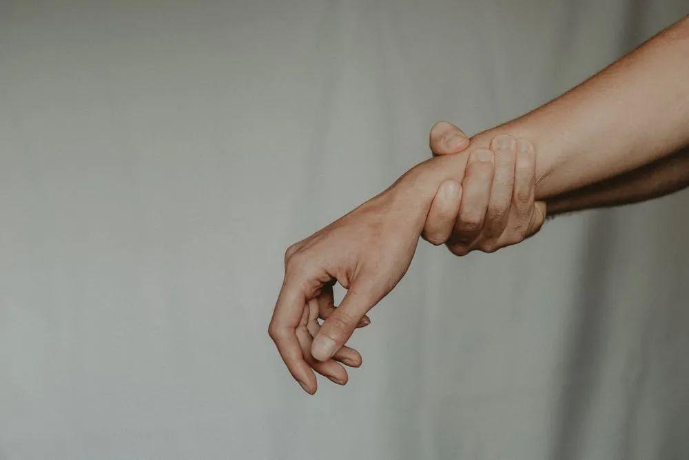 为什么越「温柔」的人,越容易破坏关系?