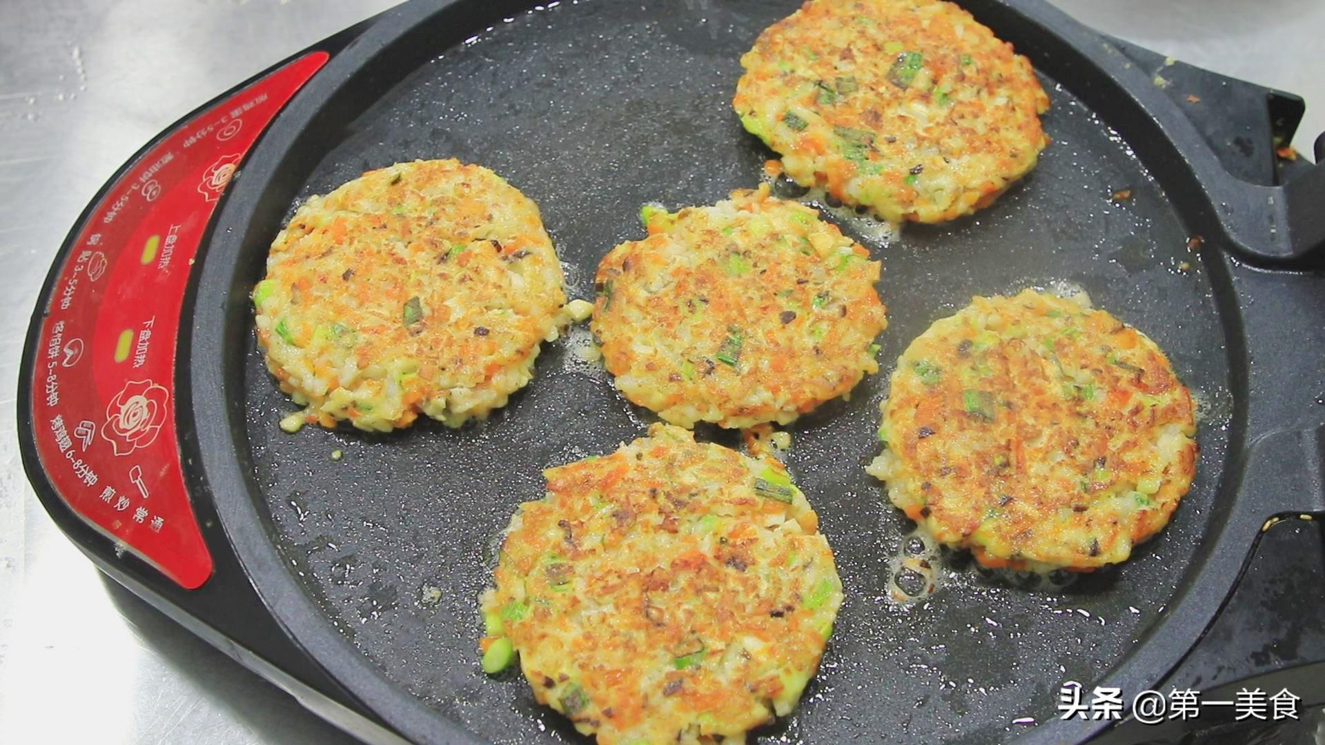 """厨师长分享""""香酥煎饼""""的做法,食材丰富有营养,做法简单 美食做法 第15张"""