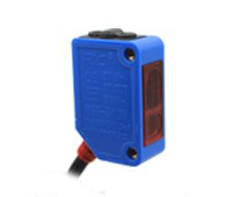 「选型推荐」管状试剂卧式贴标机传感器应用案例