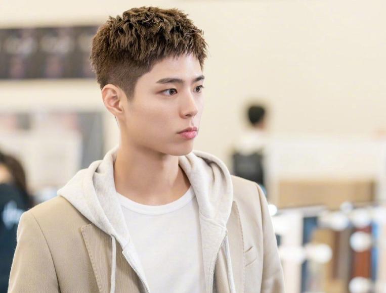 韩国9位新一代小生潜力股:一位撞脸朴宝剑,一位神似吕珍九