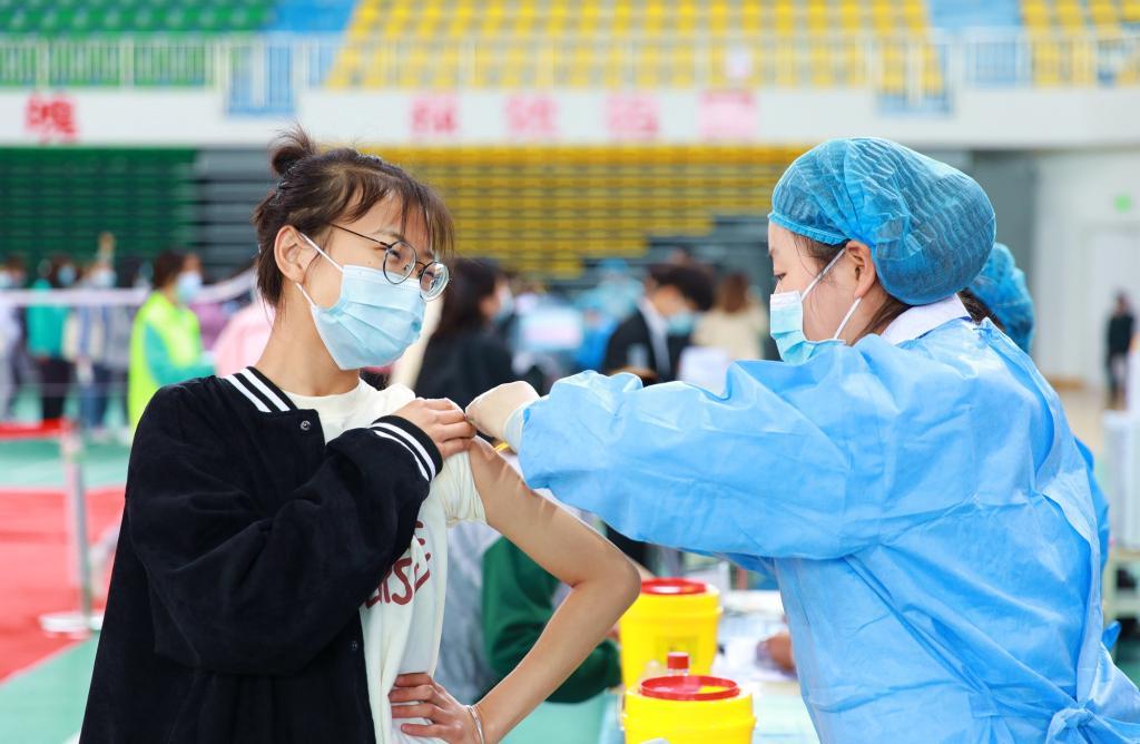 咸阳职院有序开展新冠疫苗接种工作