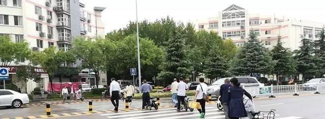 """8月起,電動車、摩托車迎來""""3禁"""",違規行駛或將面臨罰款、扣車"""