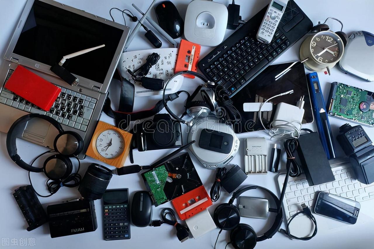 """揭露电子炼金术:电子垃圾回收的""""暴""""富之路"""