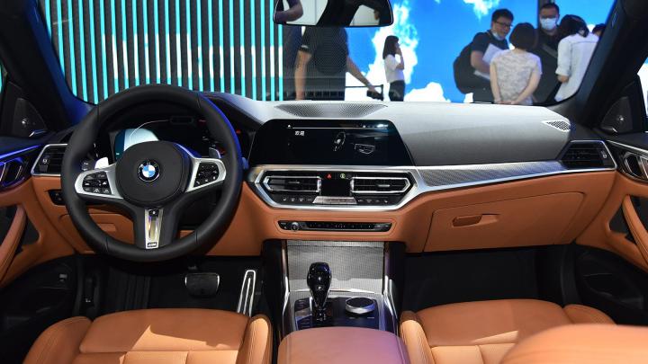 全新宝马4系配置分析 为什么不推荐入门版车型?