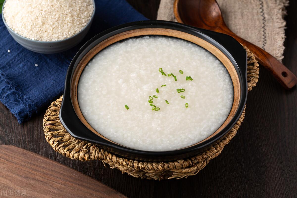 煮白粥有技巧,不要直接加水煮,粥铺老板分享一招,香浓又绵稠 美食做法 第2张