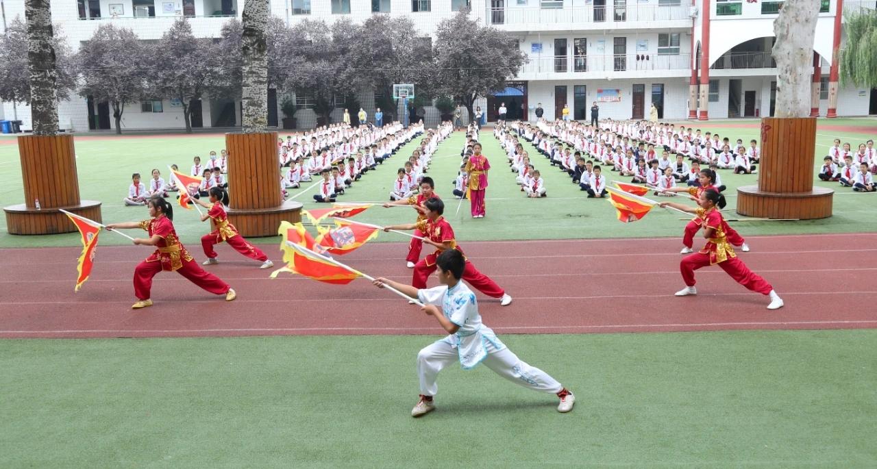 """小小少年 昂扬向上 西安首场""""红领巾迎全运 我是文明小使者""""主题实践示范活动在阎良区举办"""