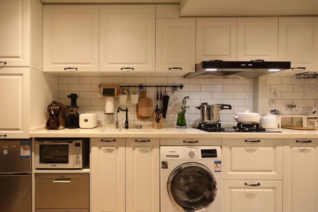 櫥柜臺面怎么選擇?實木、大理石、不銹鋼優缺點大PK,少走冤枉路