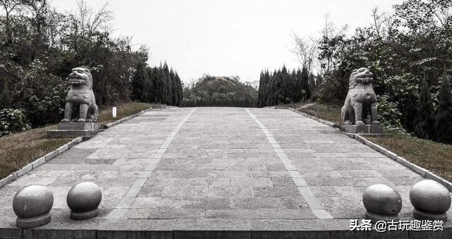 山村里一座古墓,墓主只是一位妃子,但连乾隆皇帝也不敢碰