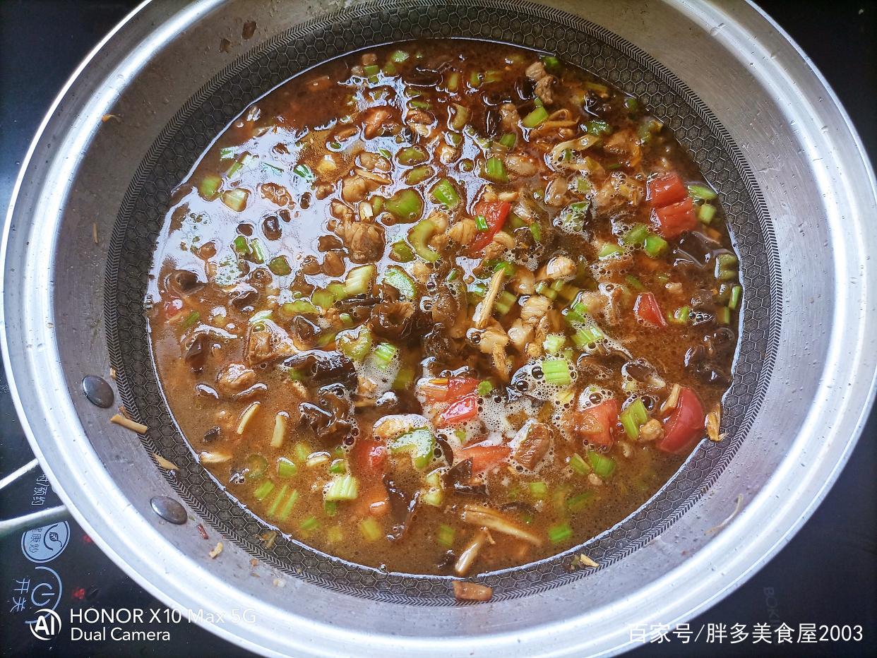 河南版的炸酱面,不放酱的炸酱就是这么香 美食做法 第11张