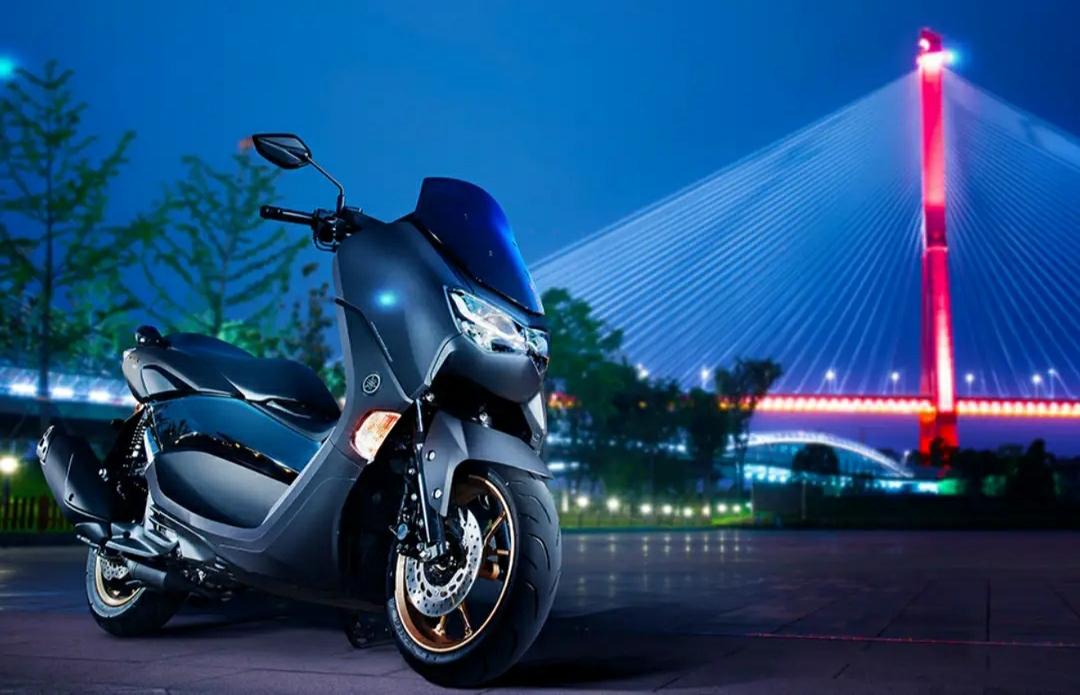 雅马哈踏板摩托车(雅马哈NMAX155,本田PCX150,豪爵UHR150的优
