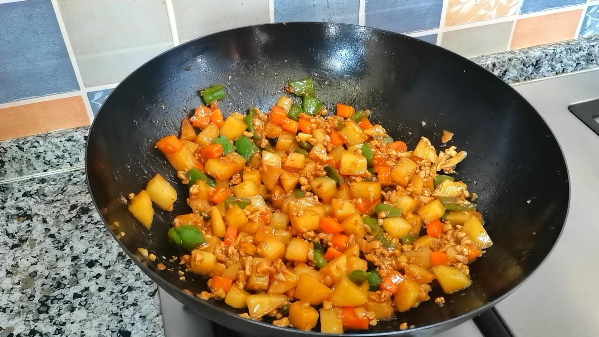土豆的神仙吃法,连孩子都能多吃半碗饭,制作简单,好吃又营养 美食做法 第12张