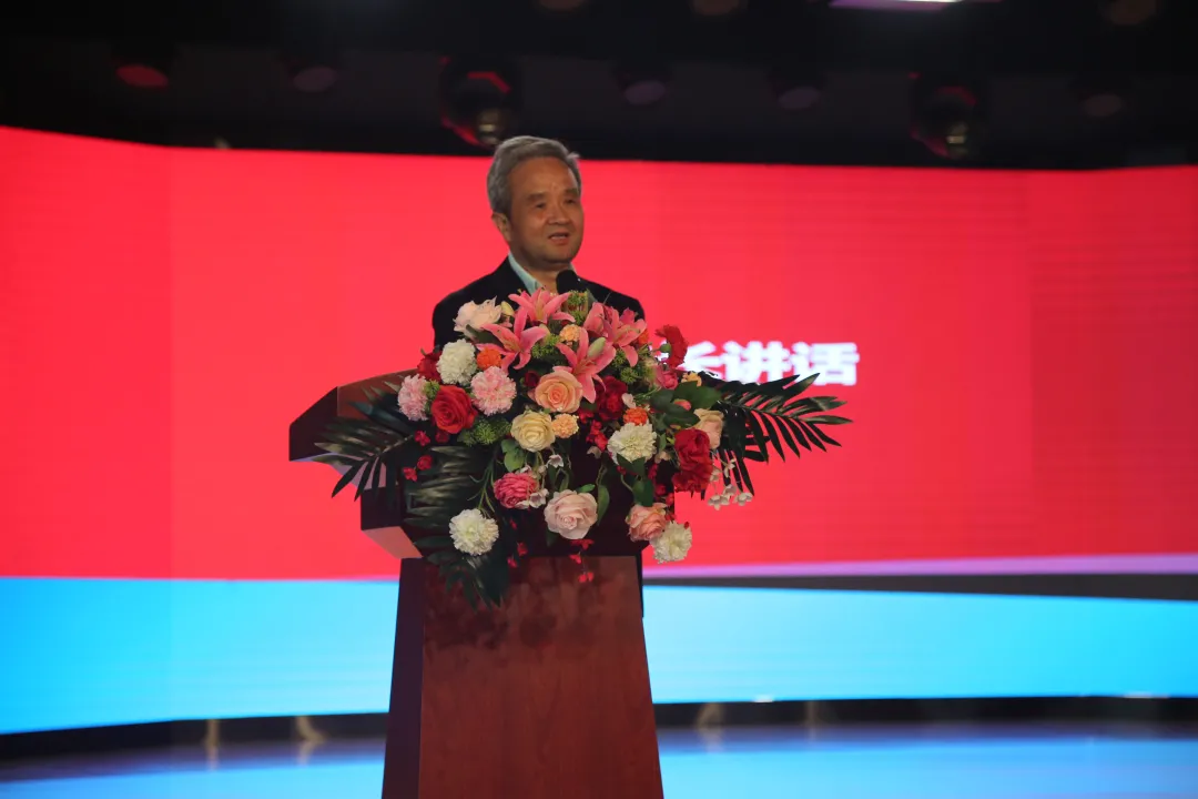 武汉外语外事职业学院举行2021年职业教育活动周闭幕式暨表彰大会
