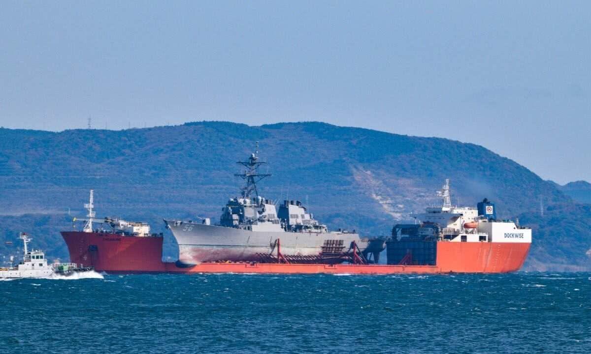 """陆军直升机降落""""半潜航母"""",大规模两栖作战将显威力"""