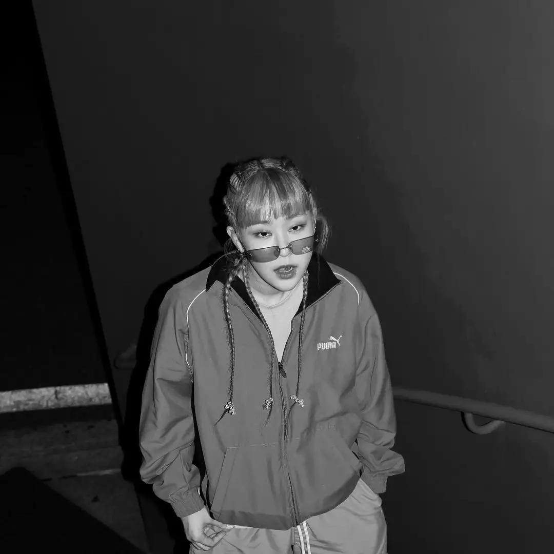 《SMTM9》新人女Rapper打造传奇舞台,占据热搜