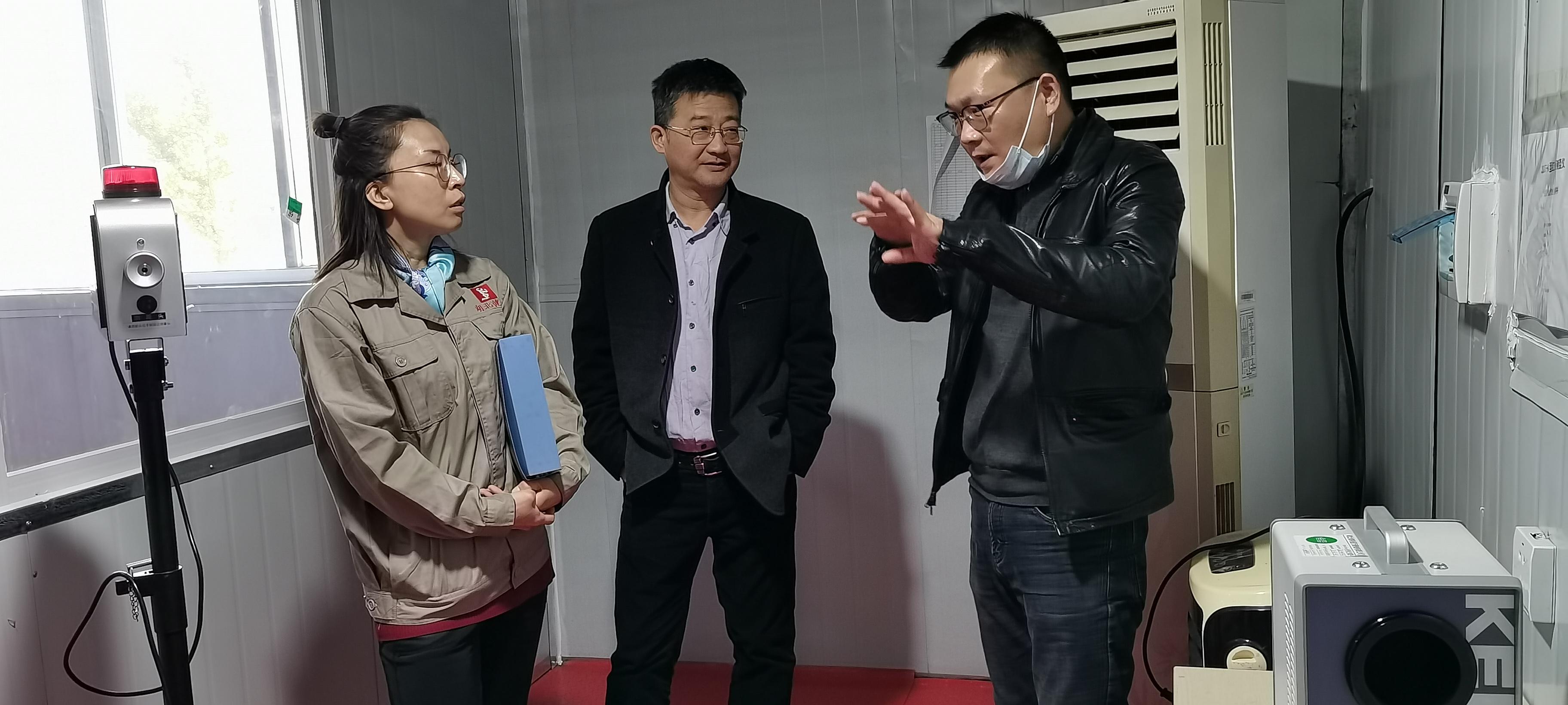 省药监局黄石分局杨卫局长一行深入辖区医疗器械生产企业调研