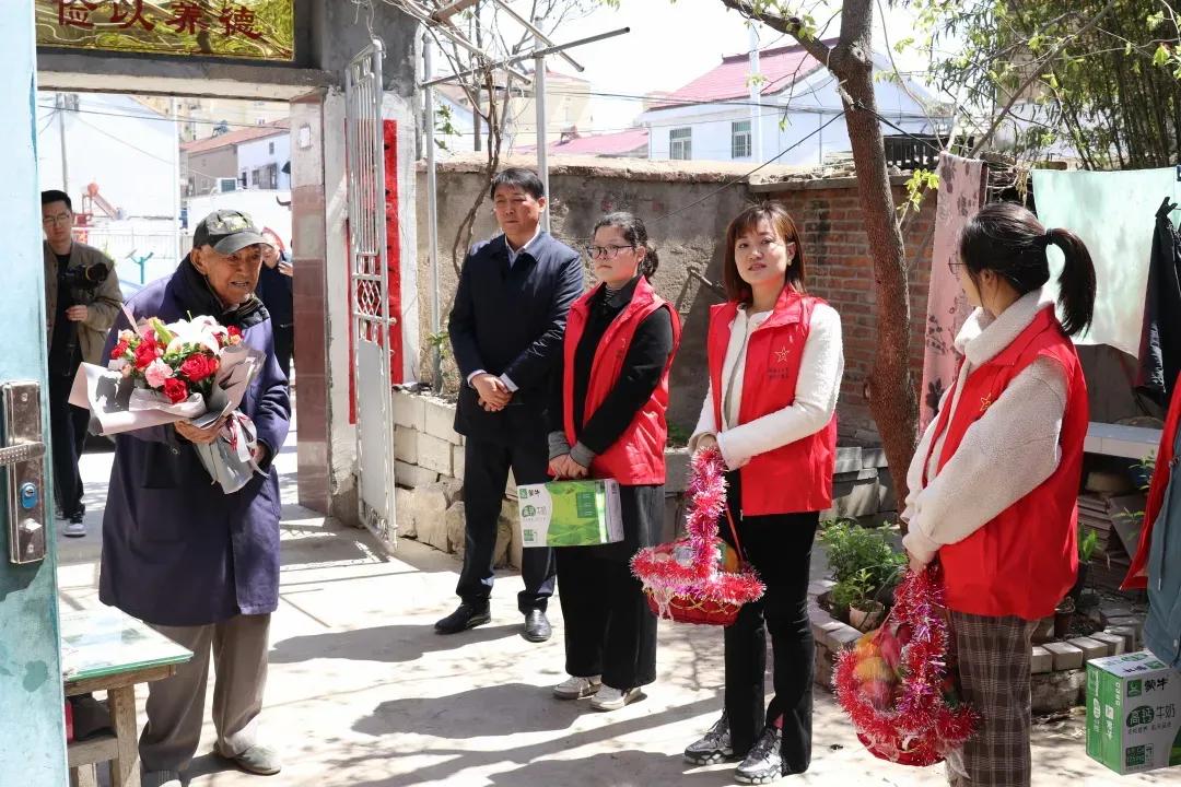 江苏响水县退役军人事务局慰问抗战老兵 传承红色精神