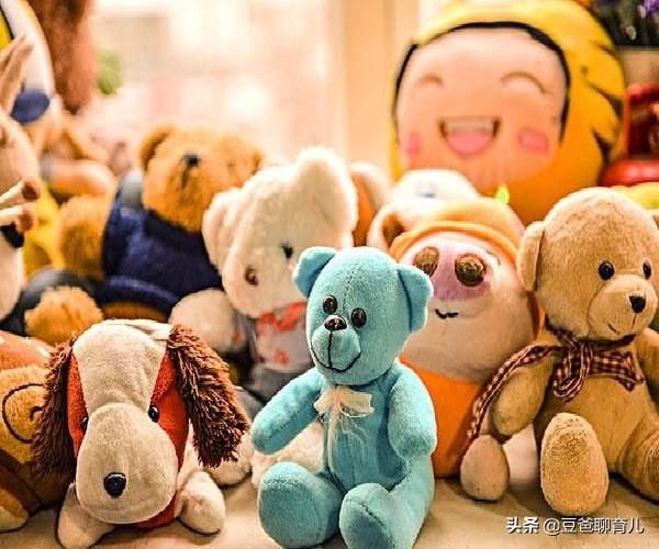 """4岁女儿:""""我害怕它的眼睛"""",女儿被玩具吓哭,网友:我也害怕"""
