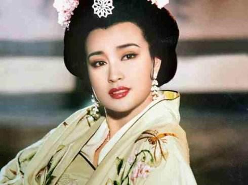 摸着良心说,刘晓庆版《武则天》,才真的是美女如云