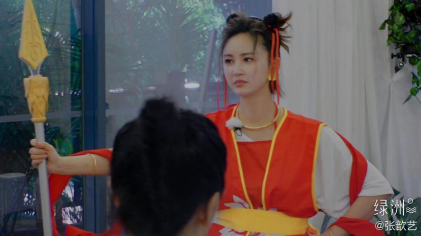 张晋在《妻子的浪漫旅行》反手锁住蔡少芬喉咙:看来某人命不久矣