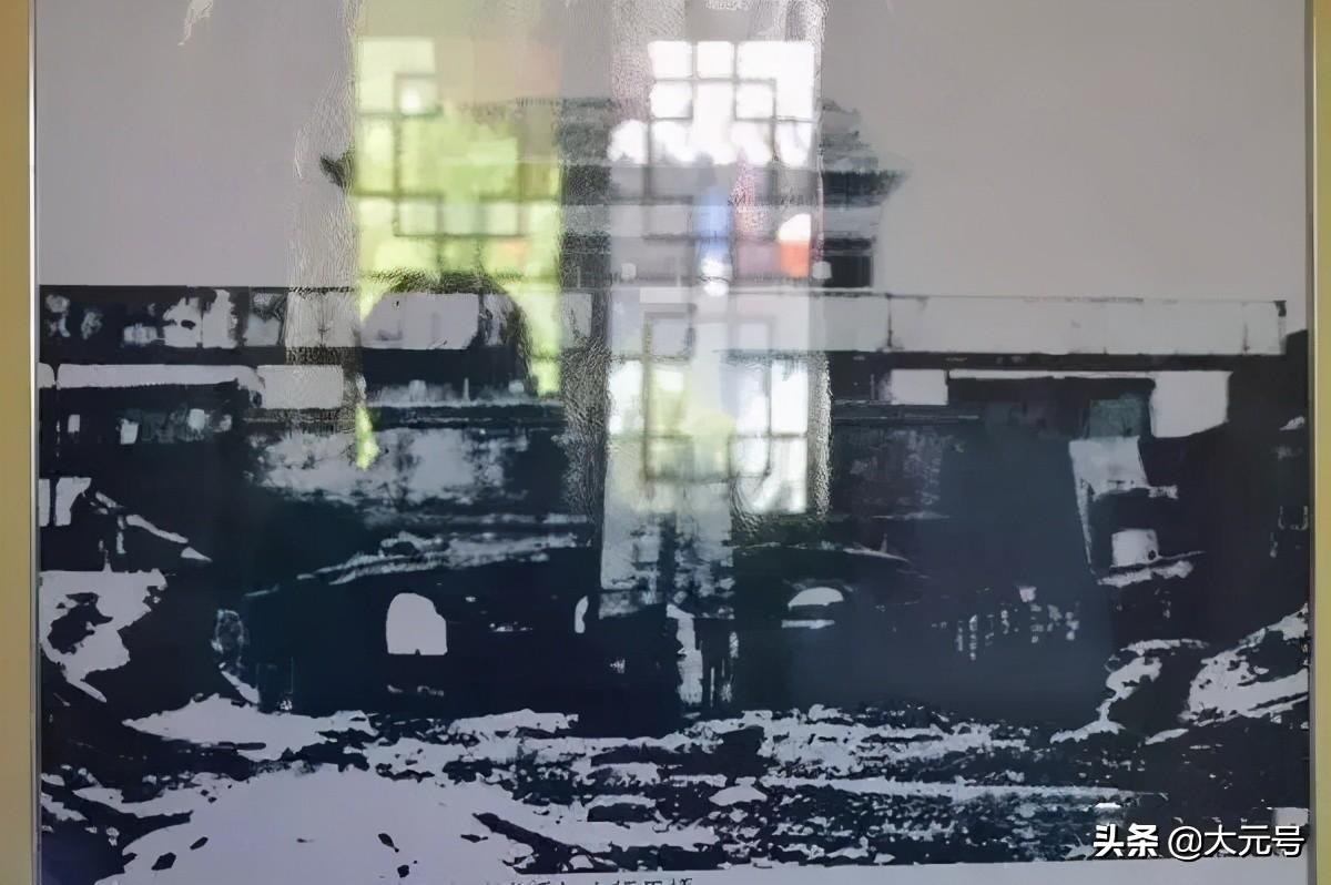 照片中的潼关古城风貌