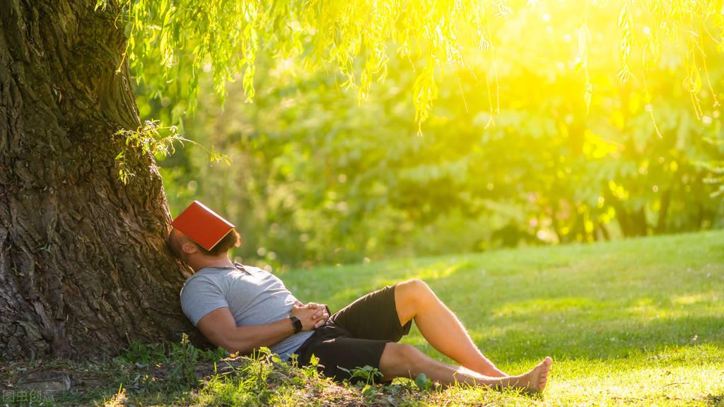 夏天为什么容易犯困