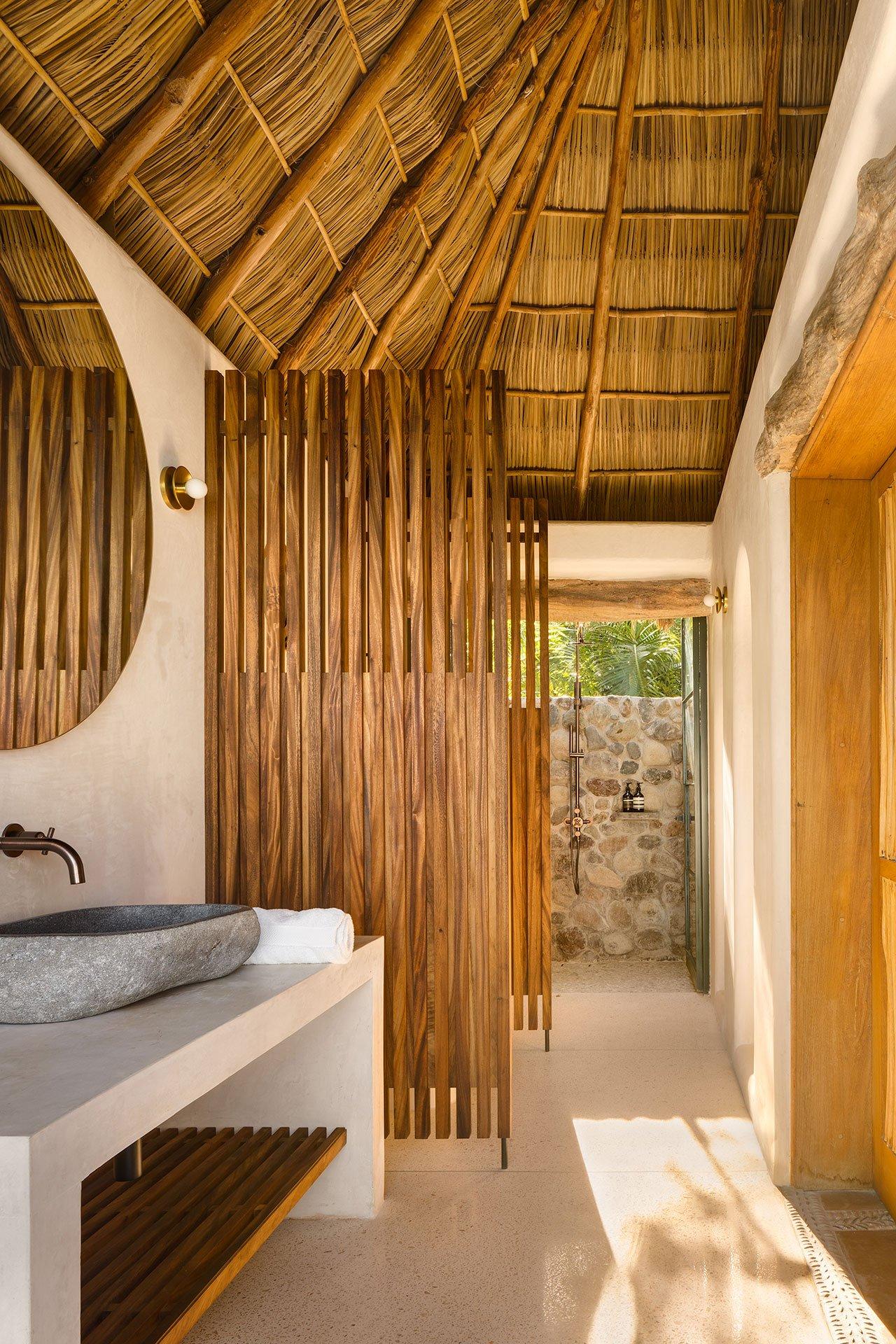 主办公室以可持续发展的精神翻新墨西哥太平洋沿岸的热带度假胜地