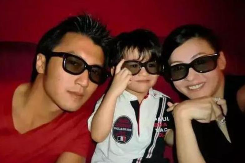 张柏芝三胎儿子出生证被曝光!生父栏成谜,娱记违法泄露隐私被告