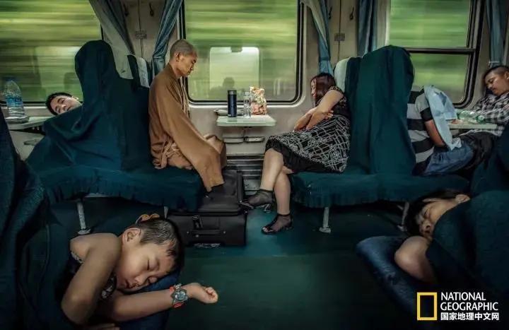 人性与爱的20张哲理照片哪一张戳中了你的泪点?