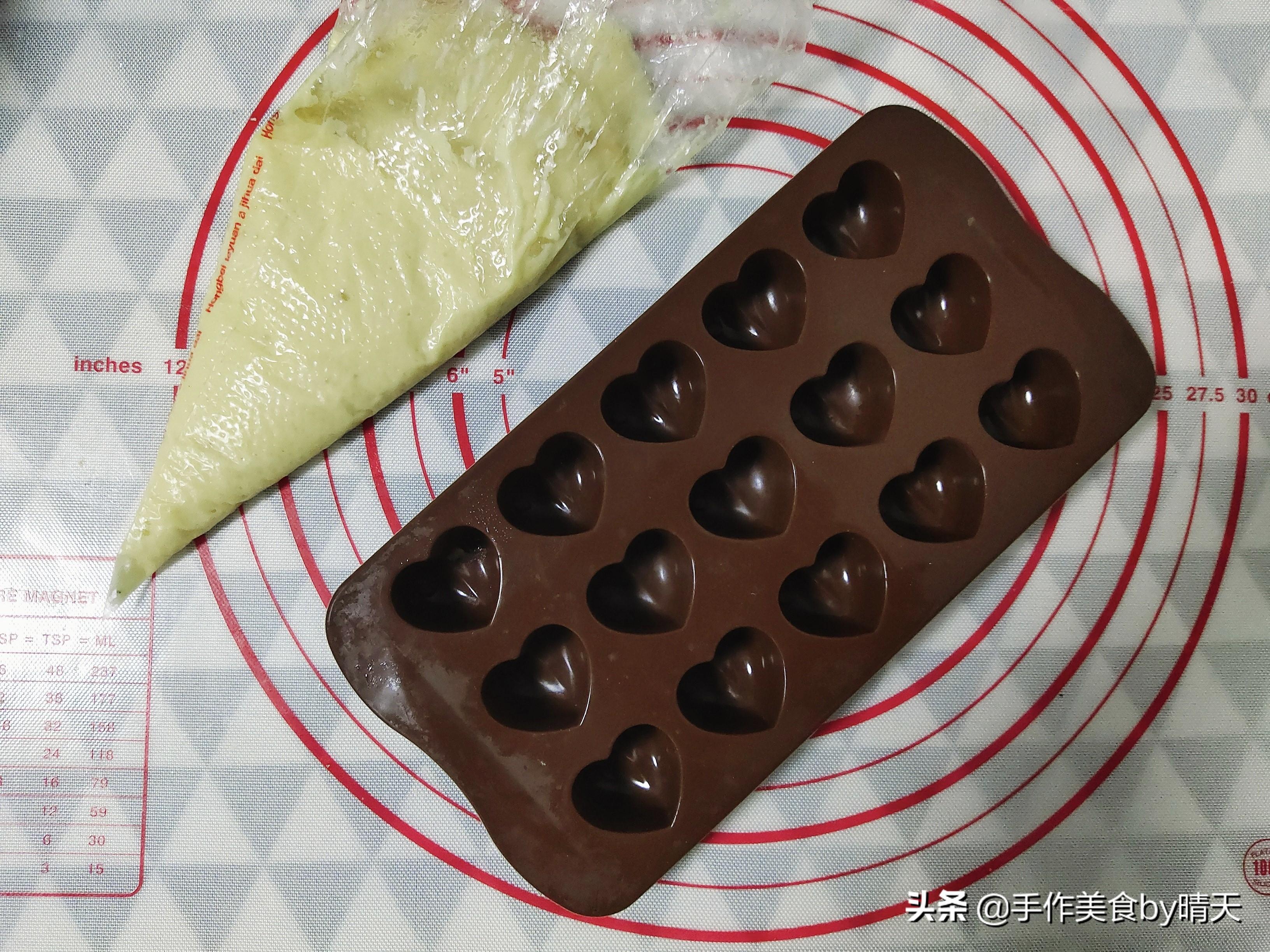 爆浆冰皮月饼想吃就做,附奶黄馅及金沙流心制作#头条美食#