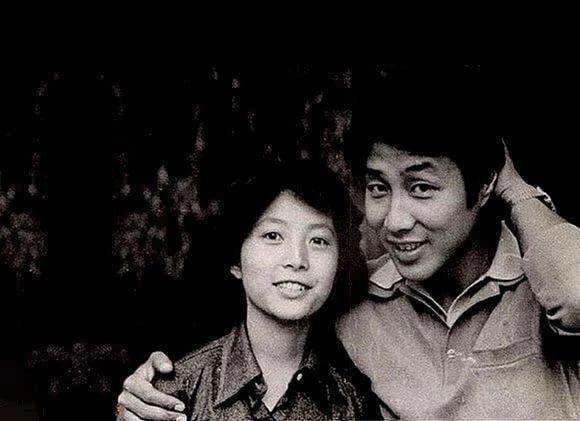 陈道明杜宪两人结婚已有三十年,妻子曾是央视第一代主持人