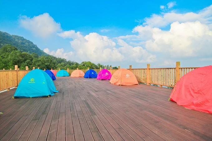 成都1.5h直达23℃避暑地!帐篷露营、树冠漫步、观云海看日出