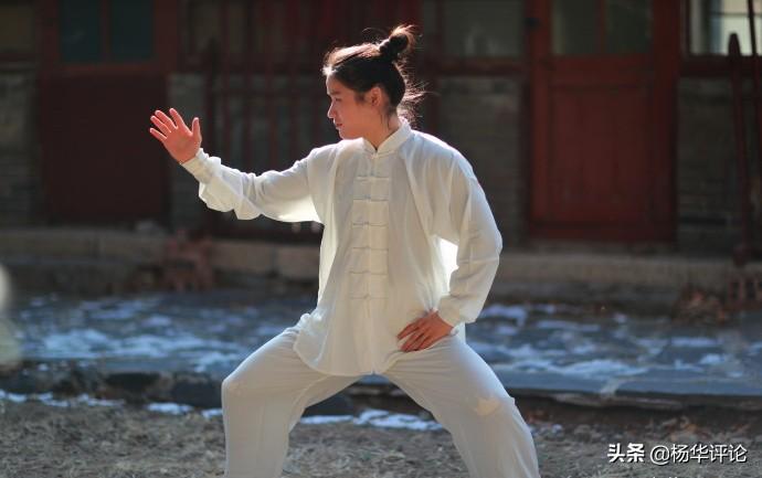 张伟丽学习太极导致被KO?雷雷怒了:没学太极的中国拳手还不如她