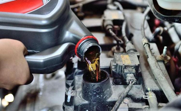 新手养车不要慌!你需要的汽车机油养护妙招,枫车养车汇总好了