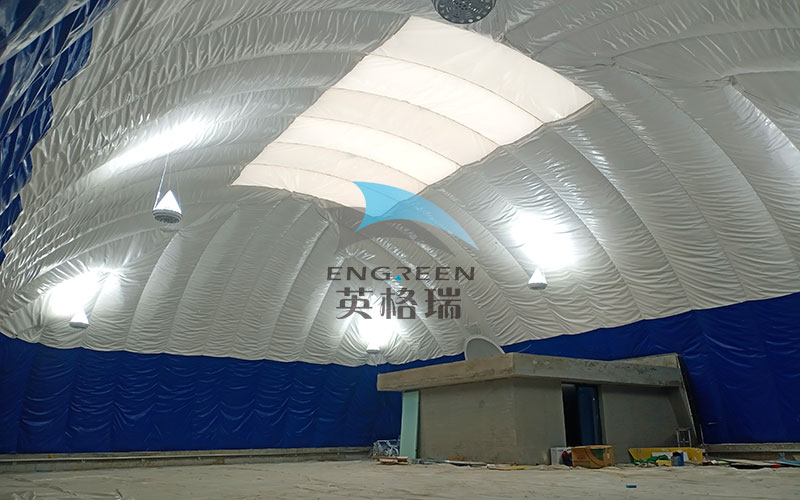 用膜建筑室內體育館當隔熱層是很多樓頂建筑的不錯選擇