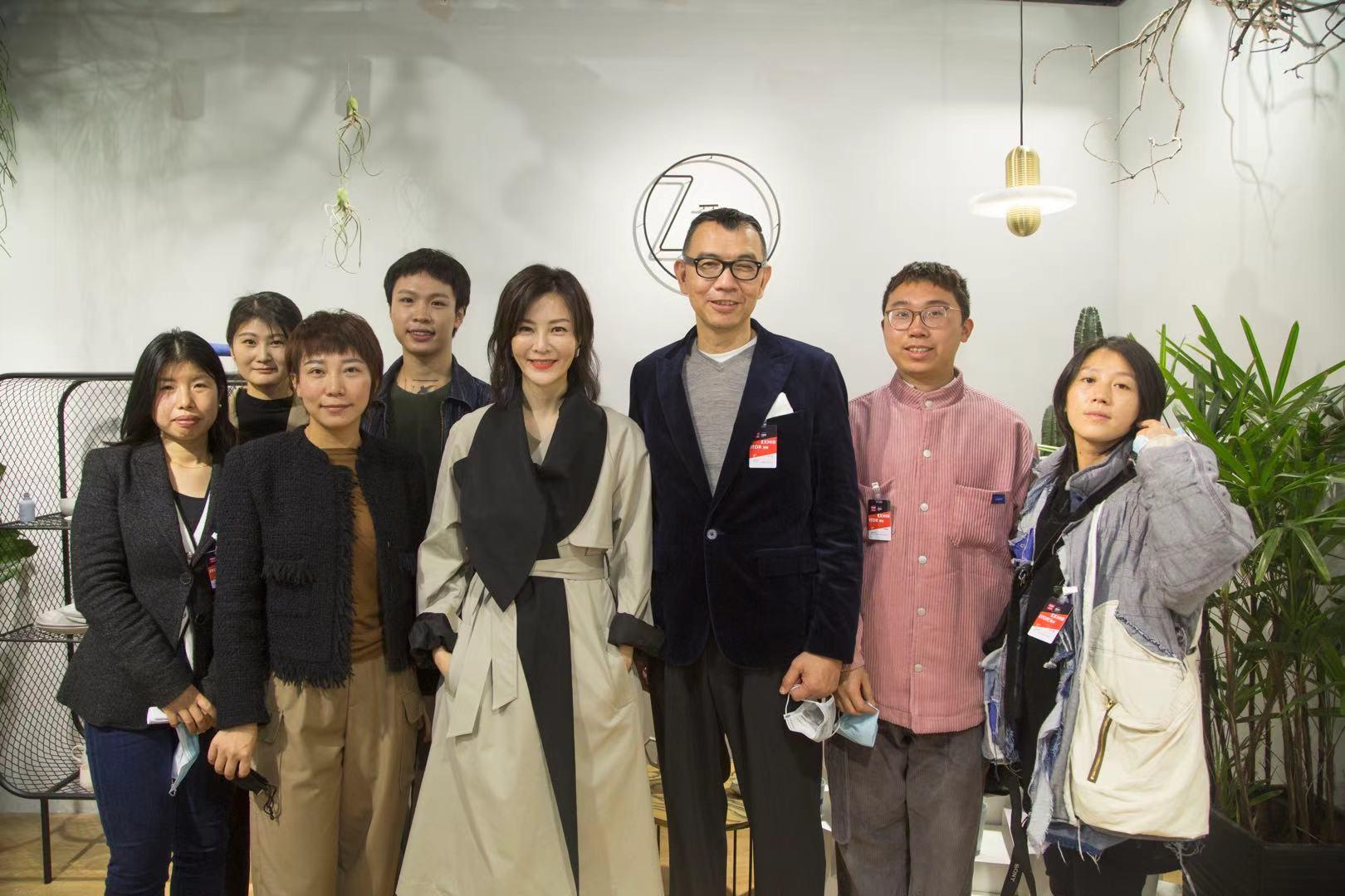 演员刘孜携原创品牌亮相设计上海 与自然共生概念吸睛