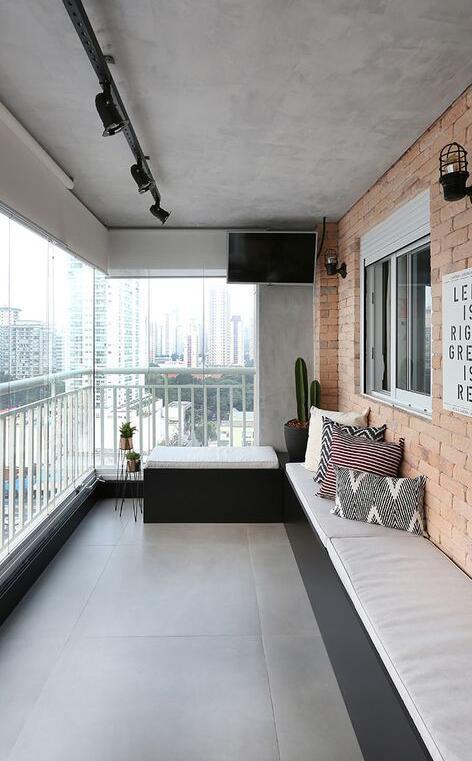 你家陽臺只用來晾衣服?鄰居在陽臺外側打排矮櫃,這做法太值得學