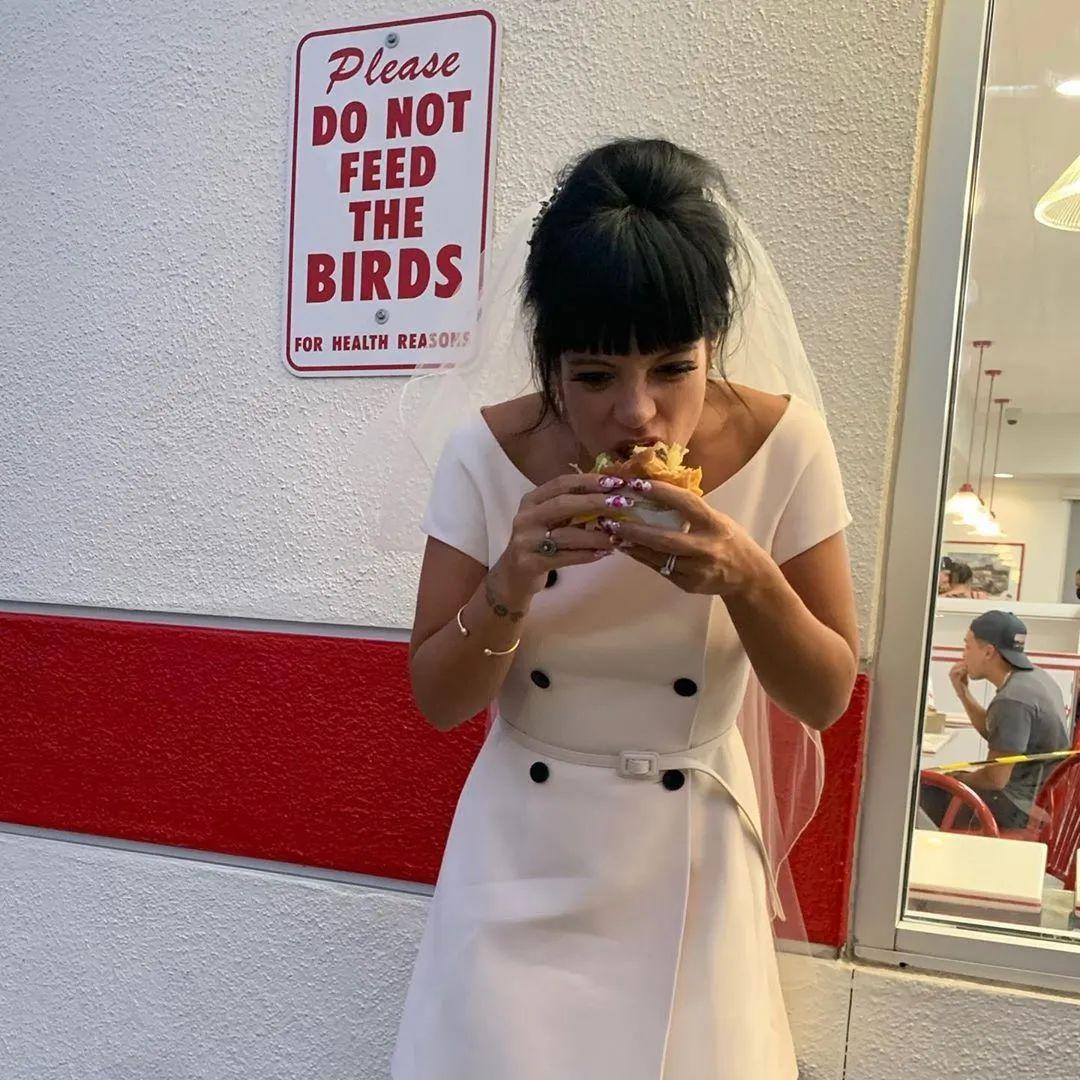 英国时尚天后Lily Allen低调结婚,曾是香奈儿的代言人