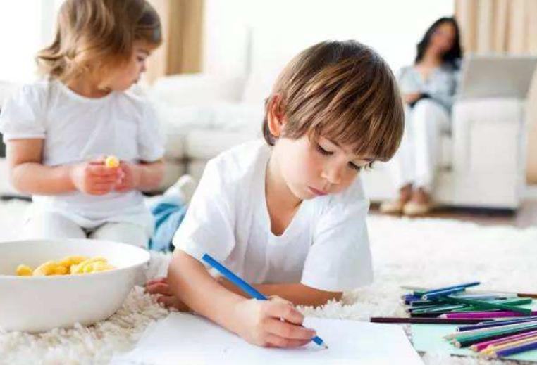 """要想知道孩子智商如何,看他的""""手""""就能知道一二,家长不妨看看"""