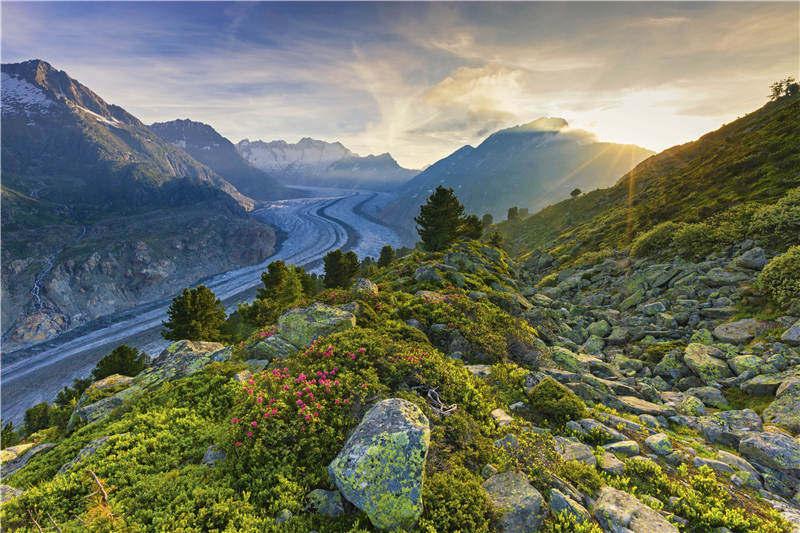 """行走于欧洲文明的""""中央公园""""深处,阿尔卑斯山为什么能成为无数冒险徒步者的最爱?"""