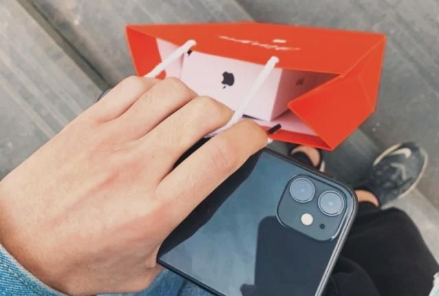 iPhone功能强大但不可以瞎选!买iPhone需看视角,店主的告诫说到心窝子了