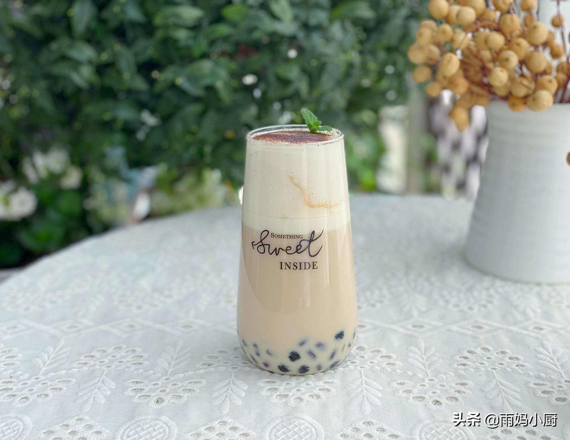 做奶茶原來這麼簡單,放入食材,十多分鐘搞定,珍珠Q彈奶茶香濃