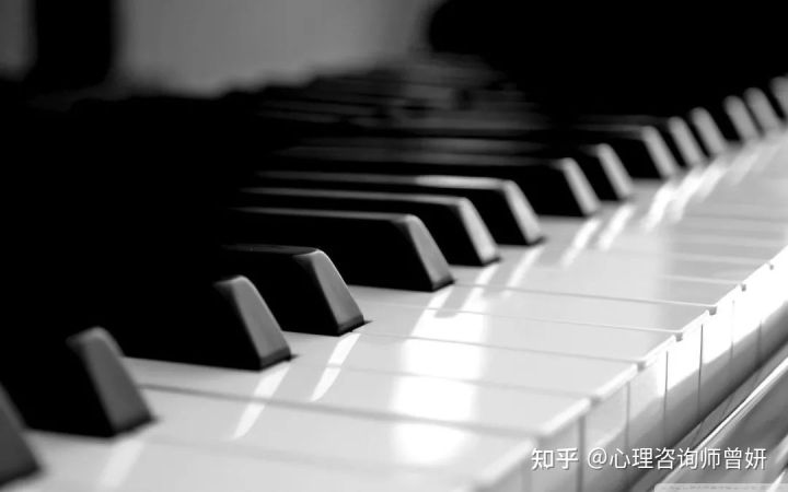 养废一个孩子,就让他学钢琴和演讲!这就是我反对兴趣班的原因