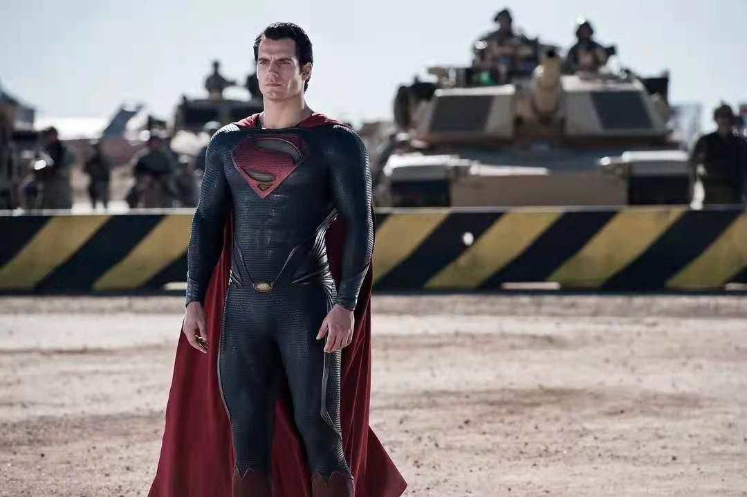 华纳真的要拍黑超人!还挑亨利生日这天放出消息,网友:来漫威吧