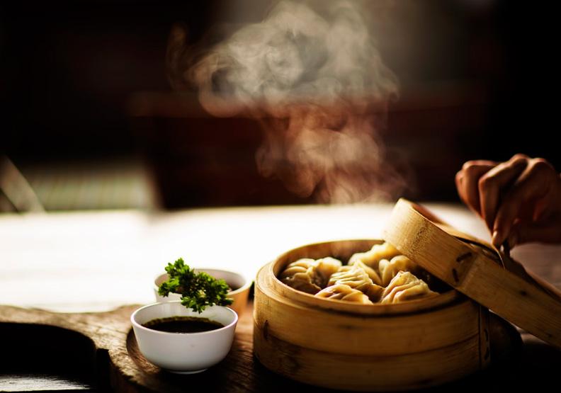 你要靠卖饺子赚钱,还是卖饺子店赚钱?