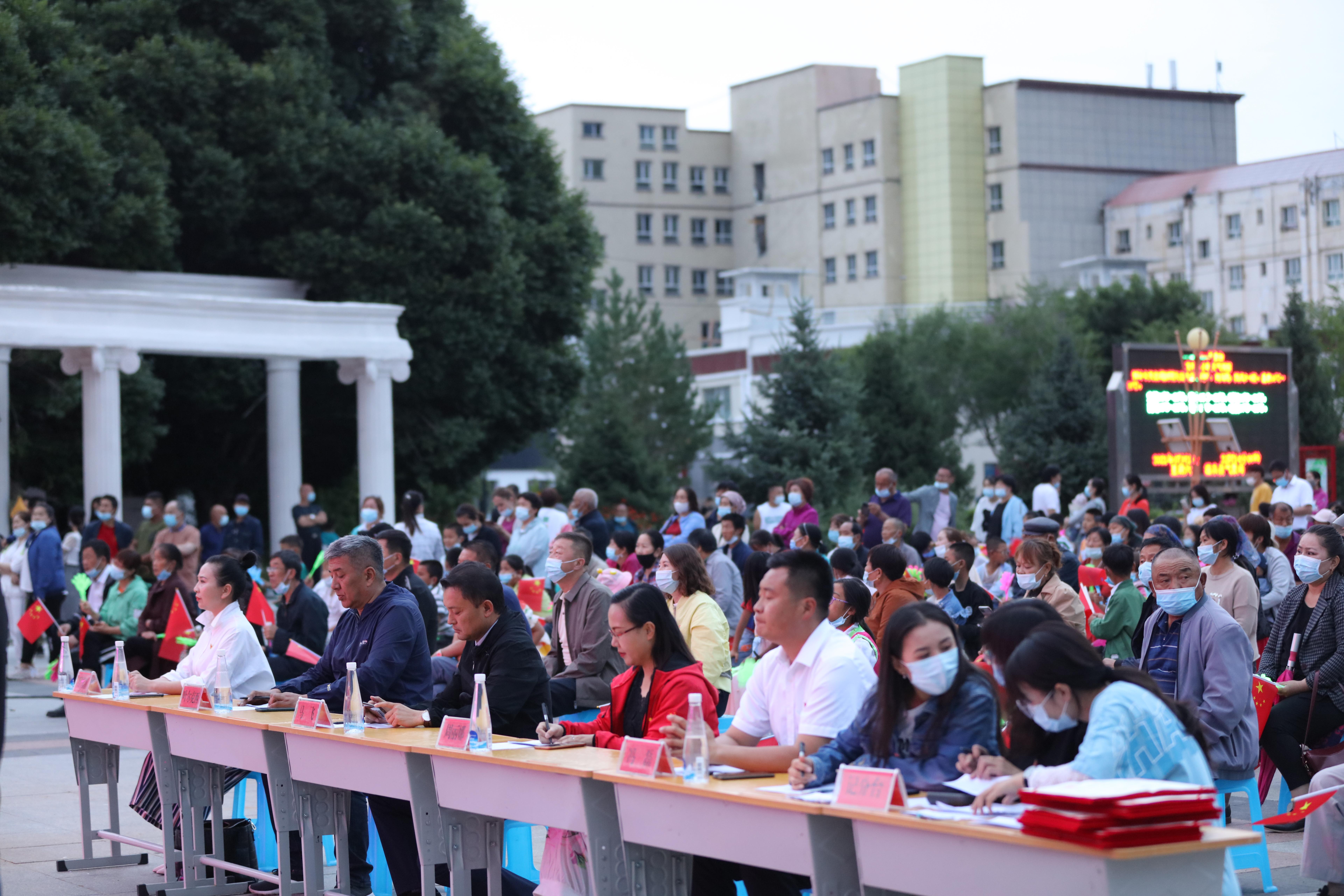 新疆温泉:举办首届歌王挑战赛,唱幸福生活,10人获奖