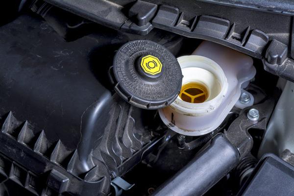 刹车油开到报废都没换汽车刹车油多久换一次合适