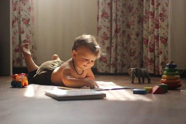 孩子总喜欢重复听同一个故事,看同一部动画片,原因你知道吗?