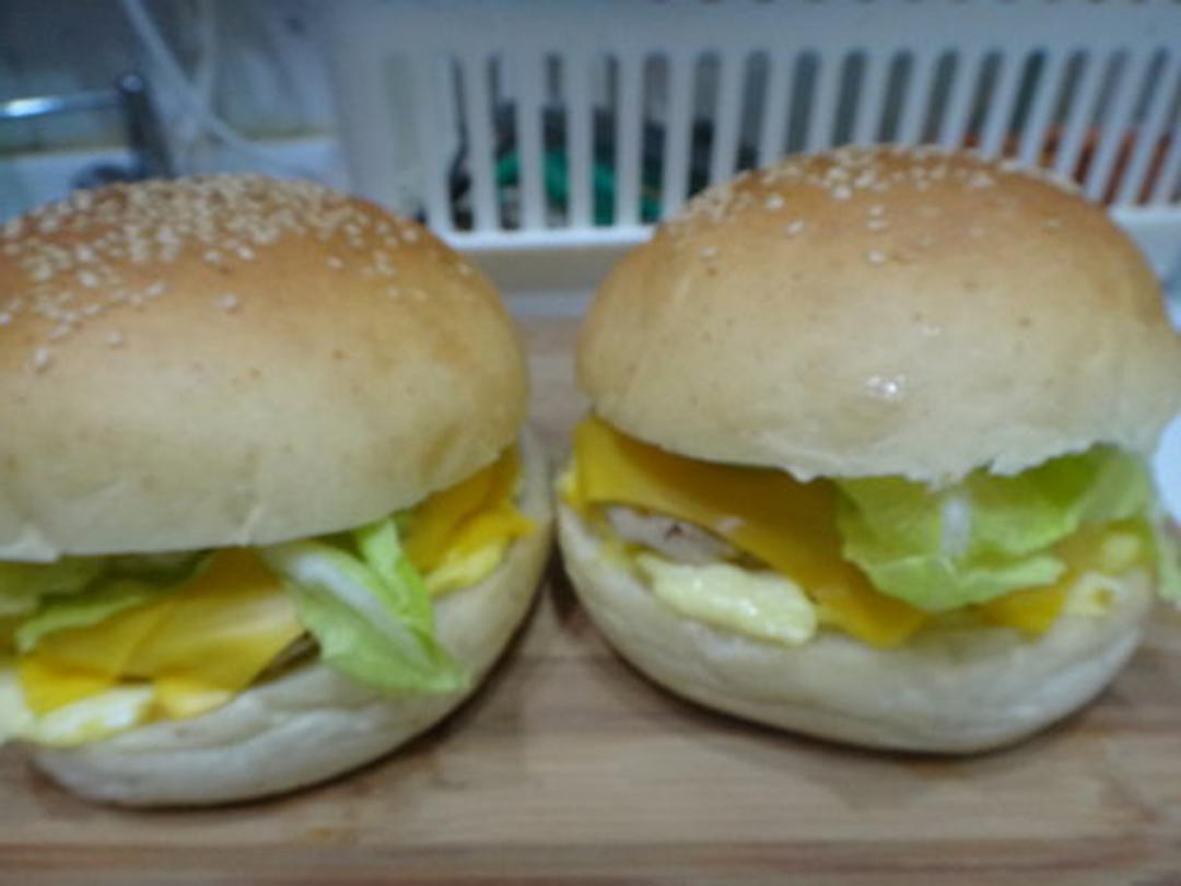 早餐汉堡这样做,实在是太香了,一顿能吃两个,全家老少都喜欢!