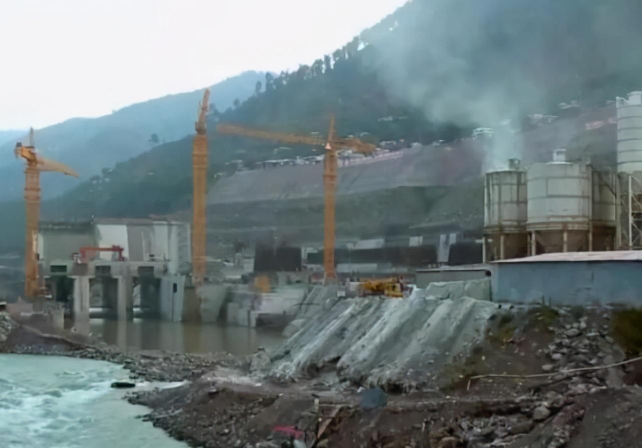 中国援巴水电项目遭破坏,9名中国工程师遇难,中方要求彻查真相