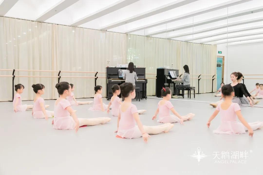 当芭蕾遇见钢琴,终于知道孩子的节奏感是怎么提升的了
